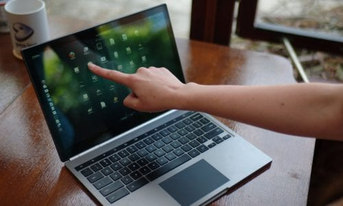 Portátil con Ubuntu Gnome
